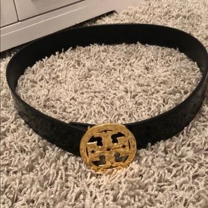 Authentic Tory Burch patent leather black belt